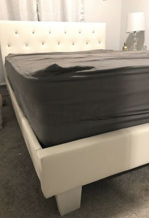 New White Leather Bed Frame : Twin / Full / Queen / King / California King : Mattress Set Sold Separately - No Box Spring Required for Sale in San Francisco, CA