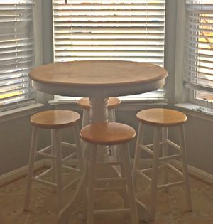 Pub style kitchenette Table and Stools for Sale in Ashburn, VA