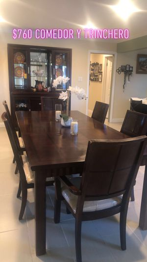 Dining table and Accent Cabinet for Sale in La Puente, CA