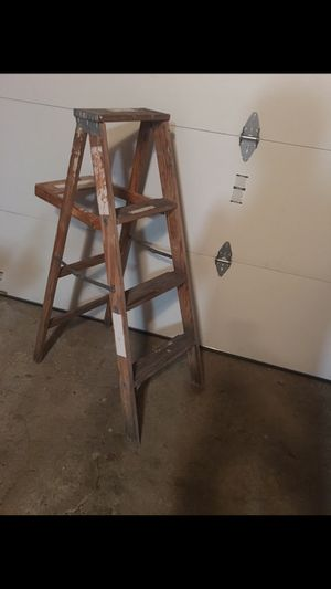 Two ladders 5'& 4' for Sale in Schaumburg, IL