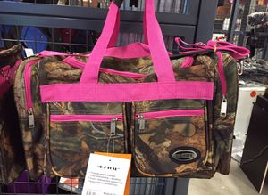 "E-Z Tote 20"" Carry-on Pink Duffel Bag for Sale in Orlando, FL"
