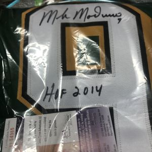 Mike Modano Autographed Jersey for Sale in Brooklyn, NY
