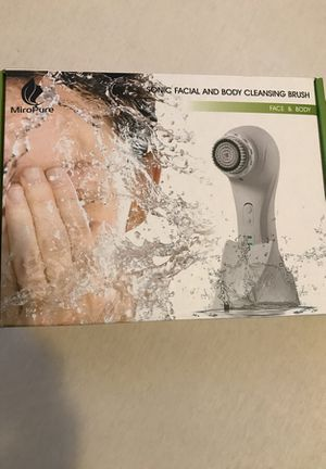 Face cleansing brush for Sale in Boston, MA