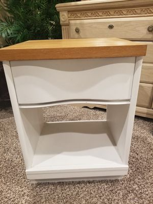 Two white nightstands for Sale in Corona, CA