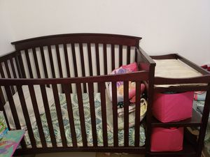 Crib with changing table for Sale in North Las Vegas, NV