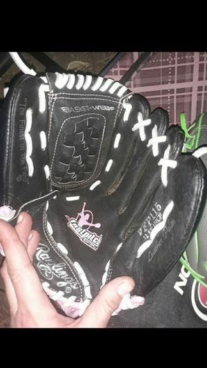 Kids baseball gloves for Sale in Jurupa Valley, CA