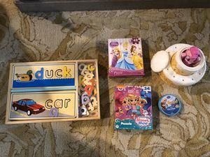 Melissa & Doug Spelling puzzle, jigsaw puzzles, Pinkie Pie b'day cake game... for Sale in Tomball, TX