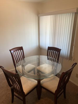 Glass Dining Table/Kitchen Table with four chairs for Sale in Hammond, IN
