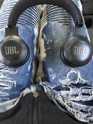 JBL BLUETOOTH HEADPHONES for Sale in Indianapolis, IN