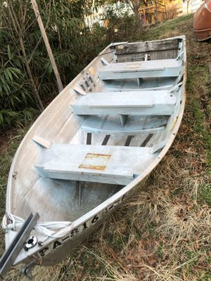 12' Jon boat for Sale in Arlington, VA