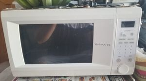 White microwave 1500 Watts Works great for Sale in Orange, CA