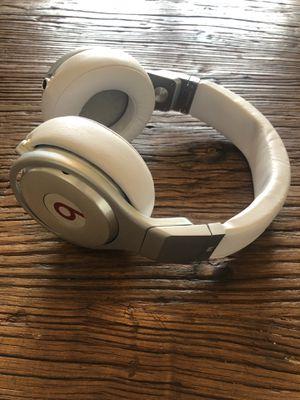 Beats Pro Headphones (White) for Sale in Seattle, WA
