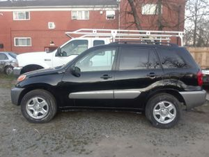 Toyota rav4 2005 for Sale in Hyattsville, MD