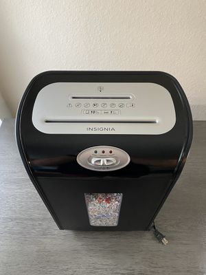 Insignia Microcut Shredder for Sale in Gainesville, FL
