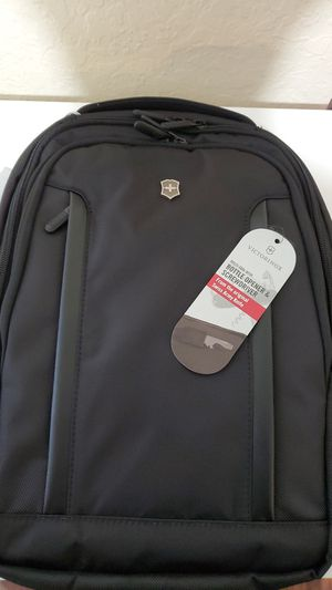 Victorinox Swiss Army Altmont Pro Backpack for Sale in Inglewood, CA