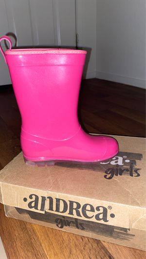Pink andrea rain boots for Sale in Richmond, CA