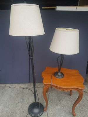 Floor lamp /table lamp for Sale in Detroit, MI