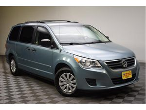 2009 Volkswagen Routan for Sale in Akron, OH