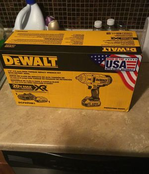 Dewalt high torque impact wrench kit for Sale in Newburgh Heights, OH