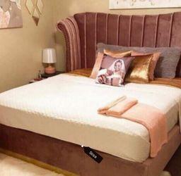 👁️🗨️Fast Delivery 🌾Flora Velvet Pink King Platform Bed ♦️New Brand for Sale in Silver Spring,  MD