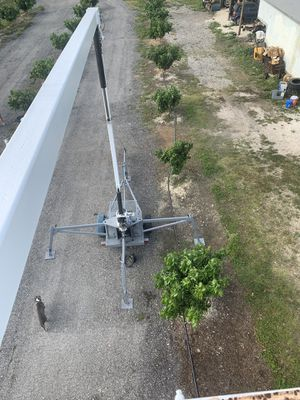 """Man lift 40' """"no insurance needed"""" for Sale in Homestead, FL"""