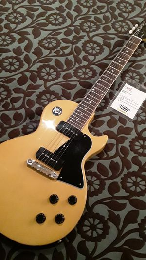 Brand new Gibson Les Paul for Sale in Concord, CA