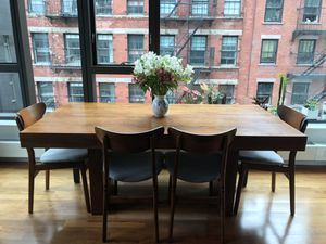 West Elm Terra Dining Table for Sale in New York, NY