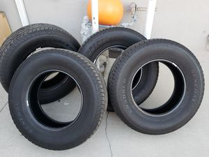 Grabber 255/70R17 and gmc rims for Sale in Los Angeles, CA