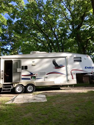 Jayco Eagle 2005 - 30ft 5th Wheel for Sale in South Haven, MN