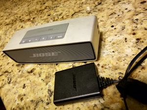 Bose soundlink mini bluetooth speaker for Sale in Pittsburgh, PA