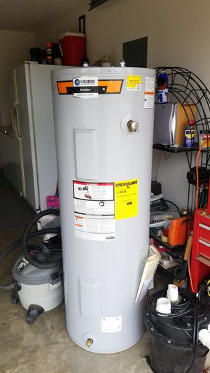 Electric hot water heater for Sale in Waxahachie, TX