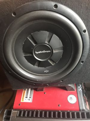 Fosgate R2 shallow & Punch 250.2 amp for Sale in Fresno, CA