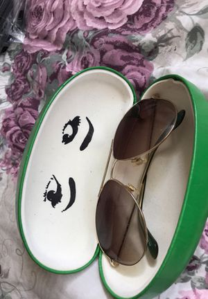 Kate spade sun glasses green! for Sale in Fairfield, CA