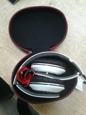 Beats by Dr. Dre Studio Wired Headband Headphones - White for Sale in Baltimore, MD