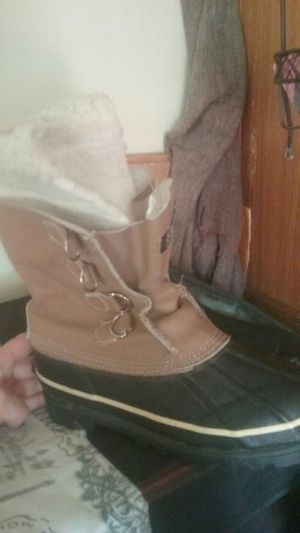 DuPont certified thermolite boots womens size 9 for Sale in Ontario, CA