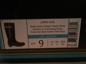 Lemon rain boots size 9 for Sale in Missouri City, TX