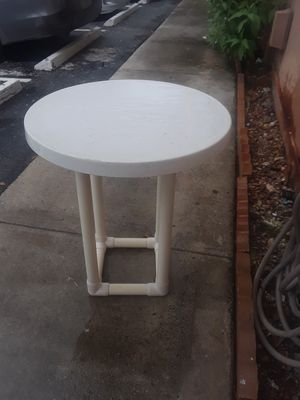 Plastic patio table $10 for Sale in Doral, FL