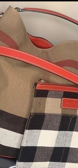 Burberry Purse for Sale in Grandview,  MO