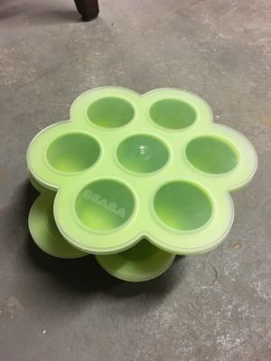 Beaba silicone food storage for Sale in Nutley, NJ