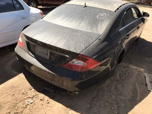 2005 Mercedes Benz parts 550 modelo for Sale in Hesperia, CA