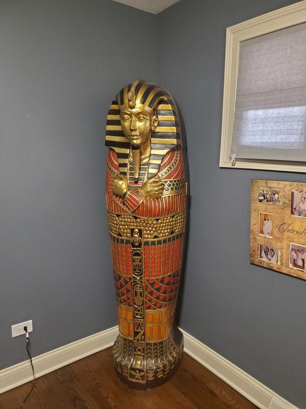 King Tut sarcophagus with storage