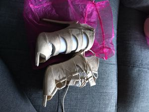 Brand new Heels!!(can pick up items) for Sale in Berkeley, CA
