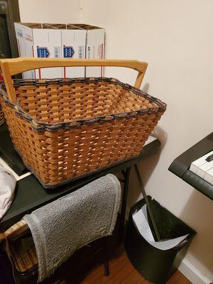Open top picnic basket for Sale in Elkton, VA