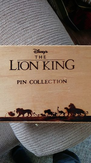 Disney's The Lion King 6 pin set in wooden box for Sale in Kent, WA