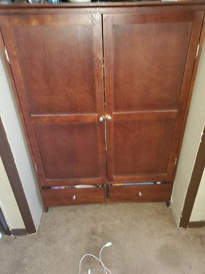 Queen size wood bedroom set for Sale in Miami, FL