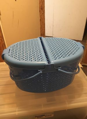 Picnic basket, amazing for camping, summer fun! for Sale in Portland, OR
