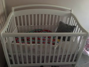 Delta luv crib 5 in 1 with mattress for Sale in Glen Burnie, MD