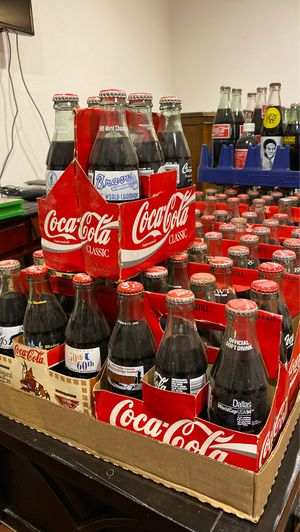 Coca-Cola Collection Bottles, Plates & Collectibles. for Sale in Deer Park, TX