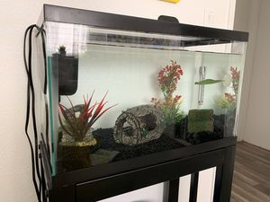 FISH TANK AND ALL ACCESSORIES for Sale in Los Angeles, CA