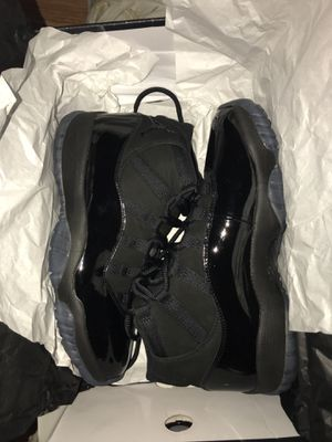 Air Jordan 11 cap and gown for Sale in Bronx, NY